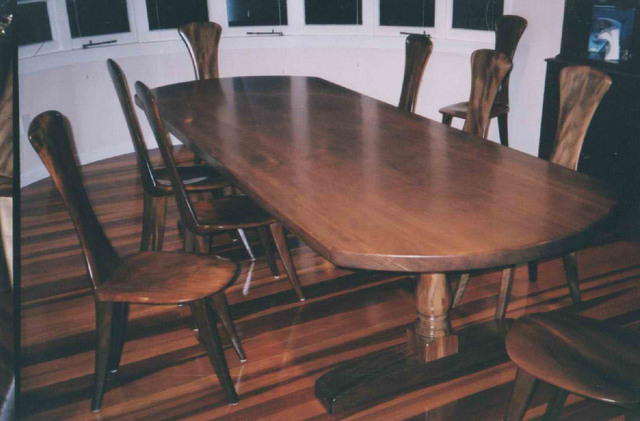 Swamp kaurssssi slab table w/ 10 chairs